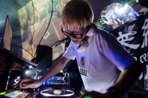 DJ_hoshi